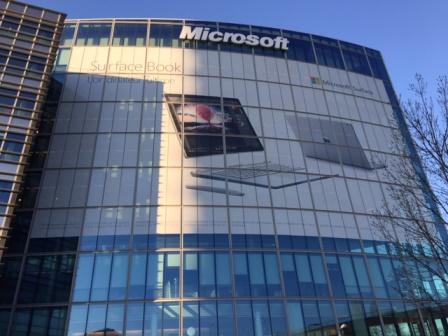 Actu : Microsoft Surfacebook : remettons l'église au centre du village